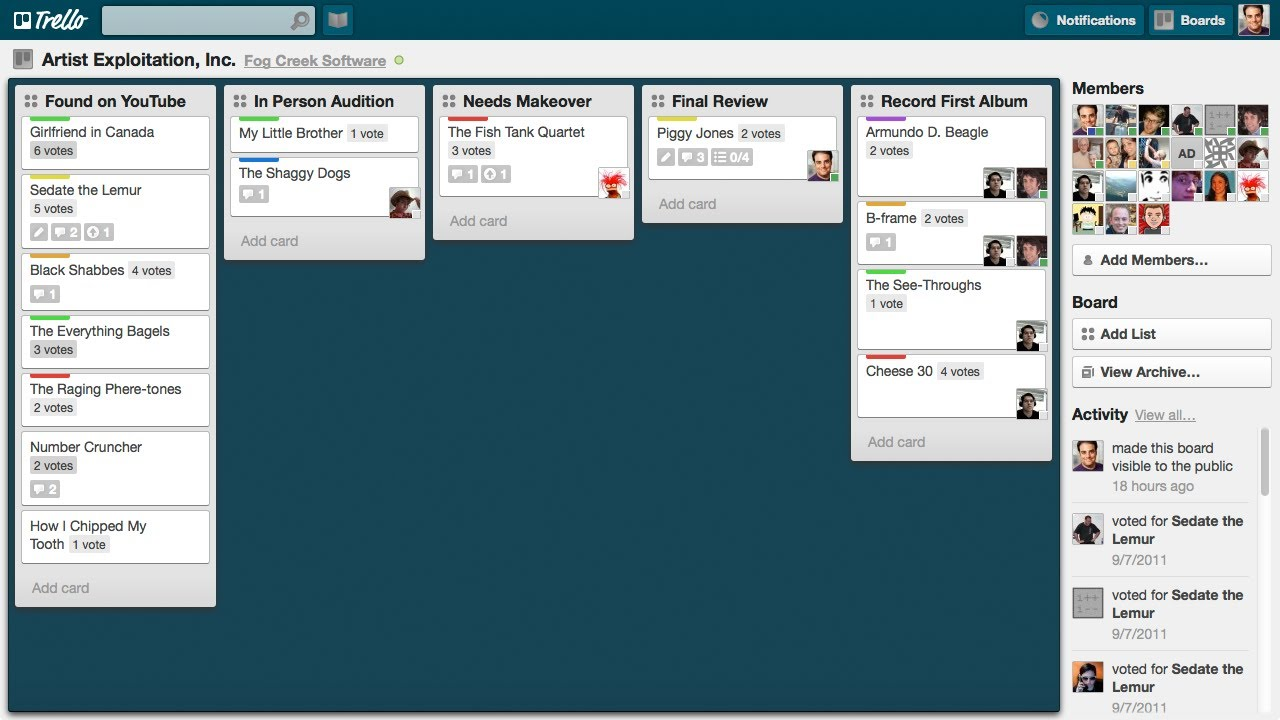 Trello is another note-taking app that offers a sliding horizontal view.
